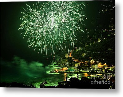 Metal Print featuring the photograph Fireworks Hdr by Antonio Scarpi
