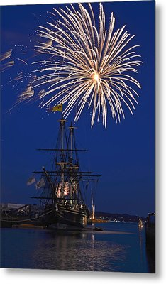 Fireworks Over The Salem Friendship Metal Print by Toby McGuire