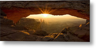 First Rays At Mesa Arch Metal Print by Andrew Soundarajan