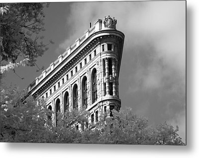 New York City - Flat Iron Prow Metal Print by Dave Beckerman