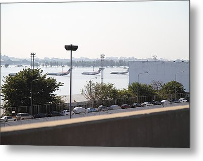Flooding Of The Airport In Bangkok Thailand - 01132 Metal Print by DC Photographer