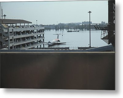 Flooding Of The Airport In Bangkok Thailand - 01133 Metal Print by DC Photographer