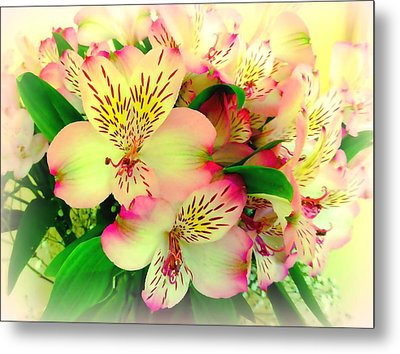Flower Bouquet In Pink And Yellow Metal Print