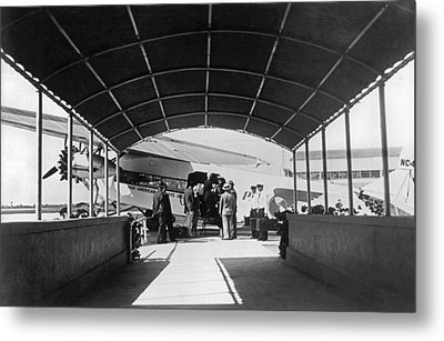 Ford Trimotor To Havana Metal Print by Underwood Archives