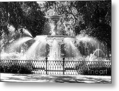 Forsyth Park Fountain Metal Print by John Rizzuto