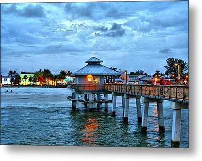 Metal Print featuring the photograph Fort Myers Beach by Rosemary Aubut