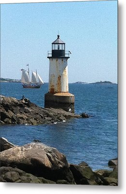 Metal Print featuring the photograph Fort Pickering Light by Denyse Duhaime