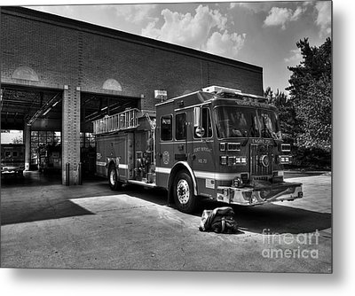 Fort Wright Fire Station Bw Metal Print by Mel Steinhauer