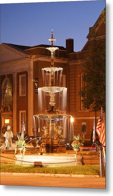Fountain On Chambersburg Square Metal Print by L Granville Laird