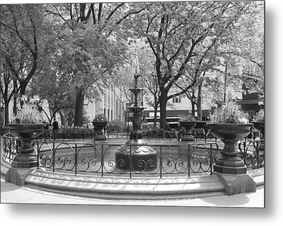 Fountain Time Metal Print