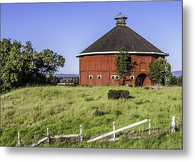 Fountaingrove Round Barn Metal Print