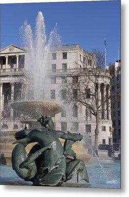 Fountains In Trafalgar Square Metal Print