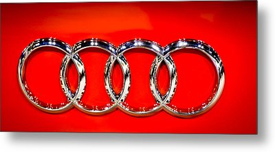 Four Silver Rings Metal Print by Ronda Broatch