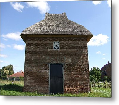 Foxton Dovecote Metal Print by Richard Reeve