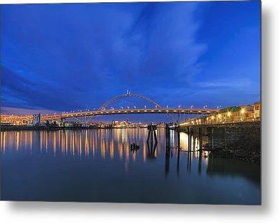 Fremont Bridge Blues Metal Print by David Gn