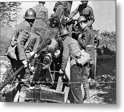 French Soldiers Fire Their 155mm Artlillery Piece At German Posi Metal Print by Underwood Archives