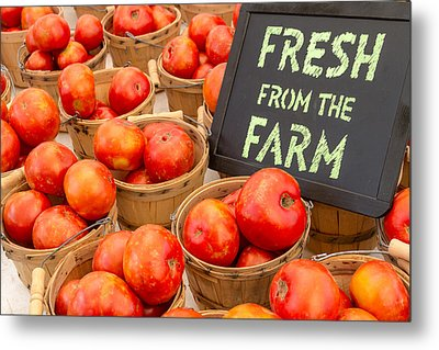 Fresh Tomatoes In Baskets At Farmers Market Metal Print by Teri Virbickis