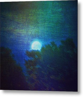 Friday 6/13/14 Full Moon - The Honey Metal Print by Paul Cutright