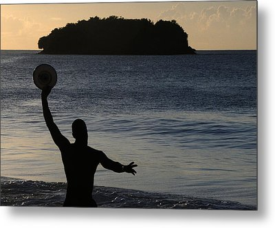 Metal Print featuring the photograph Frisbee Toss by Paul Miller