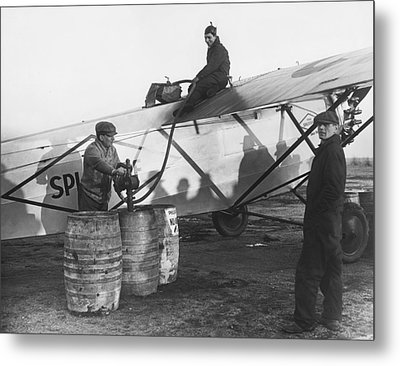 Fueling The Splitdorf Metal Print by Underwood Archives