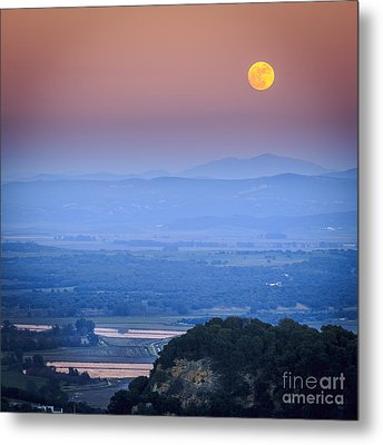 Full Moon Over Vejer Cadiz Spain Metal Print by Pablo Avanzini