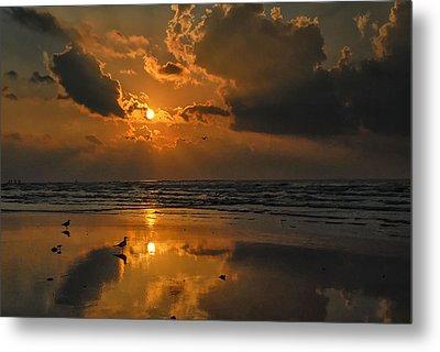 Galveston Sunrise Metal Print by Susan D Moody