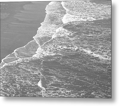 Galveston Tide In Grayscale Metal Print by Connie Fox
