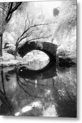 Central Park Photograph - Gapstow Bridge Vertical Metal Print by Dave Beckerman