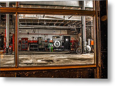 Garage Window Metal Print by Ray Congrove