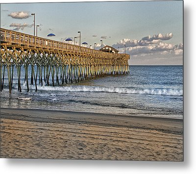 Garden City Pier At Sunset Metal Print by Sandra Anderson