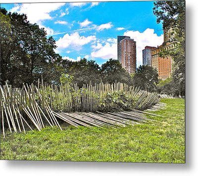 Garden With Bamboo Garden Fence In Battery Park In New York City-ny Metal Print
