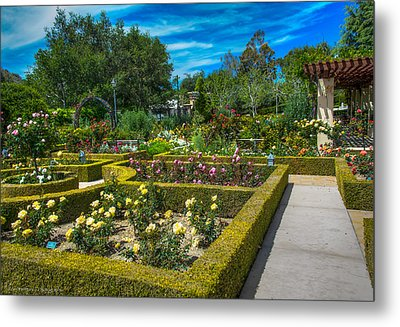 Metal Print featuring the photograph Gardens Of The World by Ross Henton