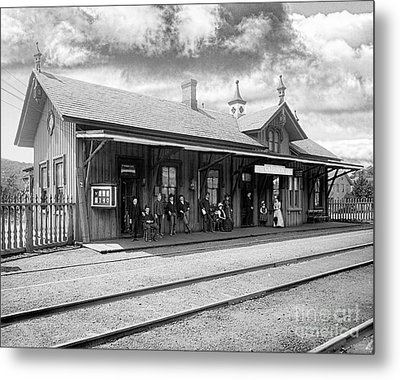 Garrison Train Station In Black And White Metal Print