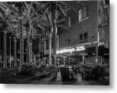 Metal Print featuring the photograph Gaslamp Evening by Jeremy Farnsworth