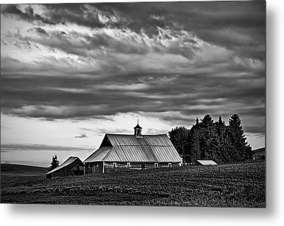 Genesee Barn Metal Print by Latah Trail Foundation
