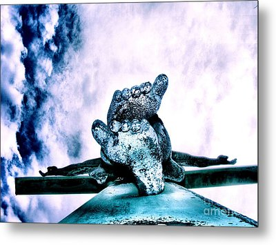 Metal Print featuring the photograph Gently Off The Edge by Heather King