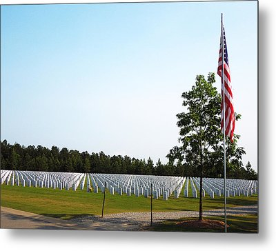 Metal Print featuring the photograph Georgia National Cemetery by Pete Trenholm