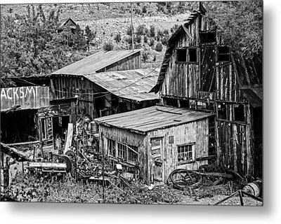 Ghost Town Metal Print by Lester Sarmiento
