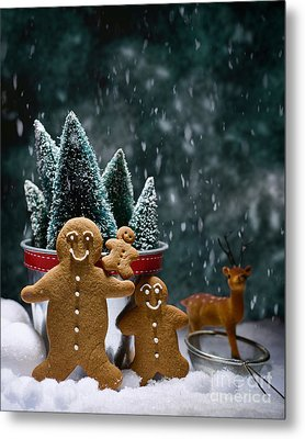Gingerbread Family In Snow Metal Print by Amanda Elwell