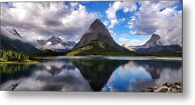 Metal Print featuring the photograph Glacier Grandeur by Rob Wilson