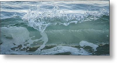 Metal Print featuring the photograph Glass Wave by Kevin Bergen