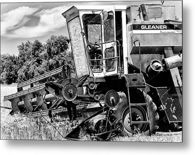 Gleaner F Combine In Black-and-white Metal Print by Bill Kesler