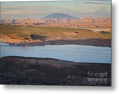 Glen Canyon And Navajo Mountain Metal Print by Dave Gordon