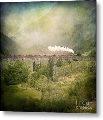 Metal Print featuring the photograph Glenfinnan by Roy  McPeak