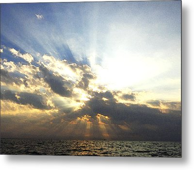 Glorious Rays Of Sunshine Metal Print by Anne Mott