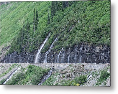 Going To The Sun Road Weeping Wall Metal Print