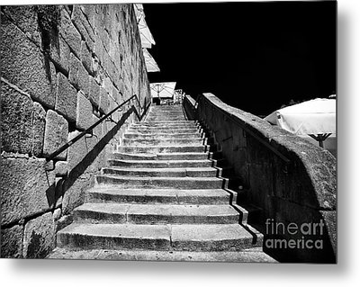 Going Up In Porto Metal Print by John Rizzuto
