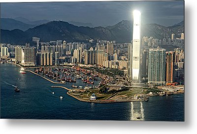 Golden Day Over Victoria's Harbor Metal Print by Thierry CHRIN