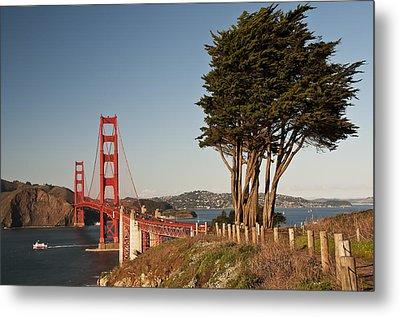 Metal Print featuring the photograph Golden Gate Bridge 1 by Lee Kirchhevel