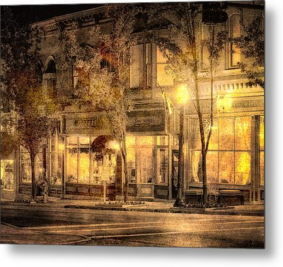 Golden Glow Metal Print by William Beuther